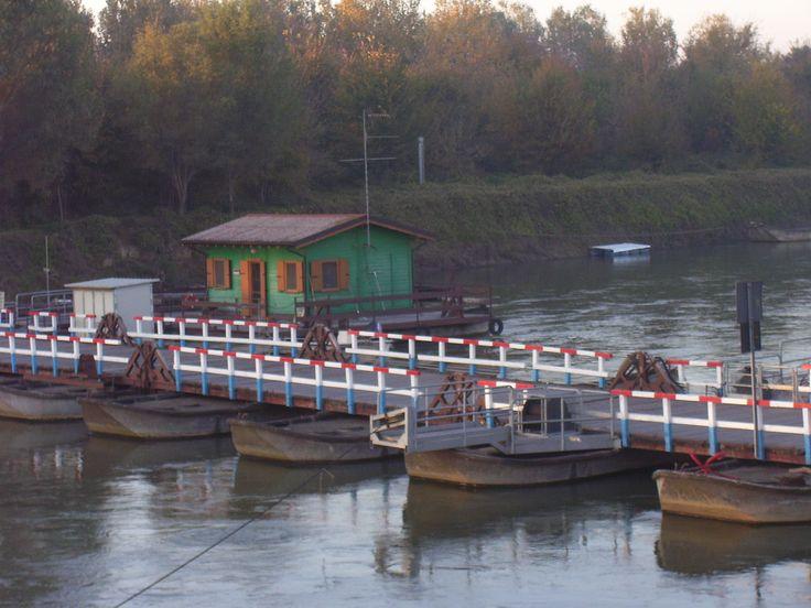 Ponte barche fiume Oglio MANTOVA