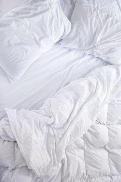 : White Hair, White Sheet, All White, White Beds, Master Bedrooms, Beds Sheet, Comforter, Beds Linens, White Noi