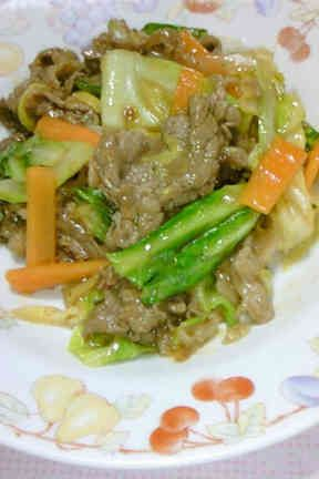 牛肉とキャベツの味噌炒め♪ご飯がススム♪