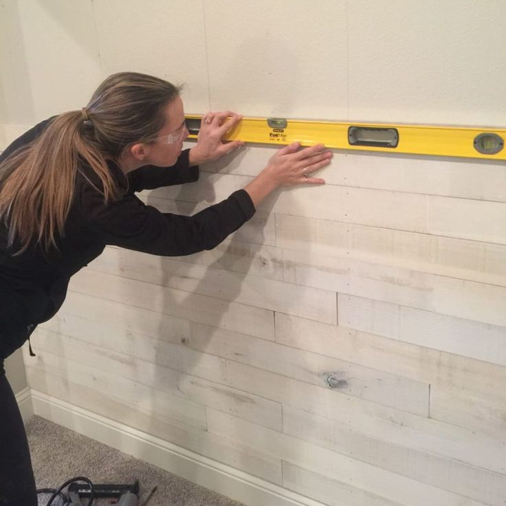 How To Create An Accent Wall Using White Washed Boards In