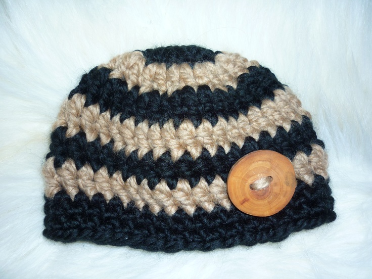 3-6 m baby beanie, with handmade applewood button. $17