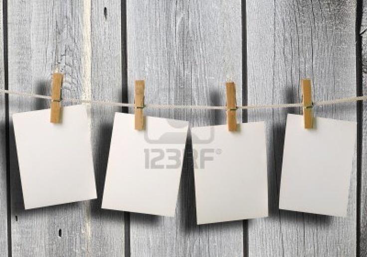 witte fotopapier op oude houten hek achtergrond textuur Stockfoto