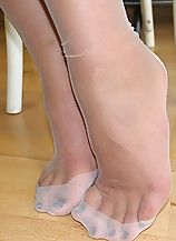classy toes