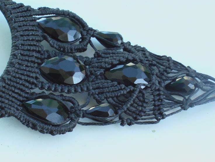 collana macrame' con cristalli