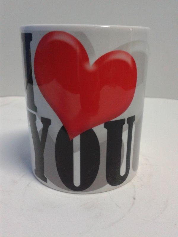 Mugs en cerámica decorativos de I Love You para Amor y Amistad. #MugsDecorativos #Detalles