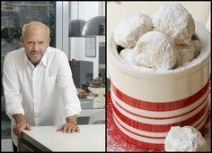 Ο Στέλιος Παρλιάρος μοιράζεται τη συνταγή του για τους πιο νόστιμους κουρμπιέδες.