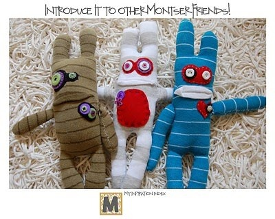 Cute sock monsters!! I don't know who I am giving these to but someone is getting them!