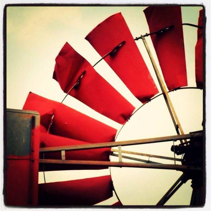 Red Windmill (Windpomp)