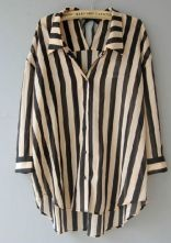 Black/beige vertical stripes blouse.