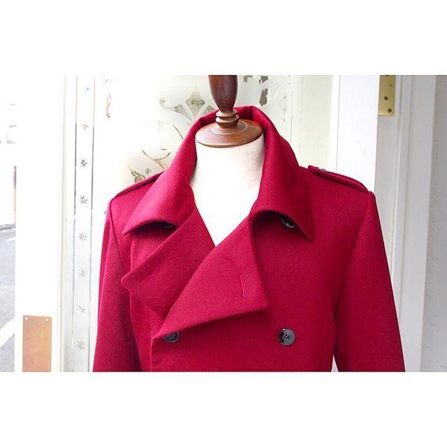 <full_ordermade_coat> . . ボルドー色のピュアカシミヤでオーダーコート。 . . フェミニンな雰囲気のメンズコートです。 ----------------------------------------- ※御来店の際は御予約をお願い致します。 ----------------------------------------- . . . オーダーメイド製品はlifestyleorderへ。 . .  all made in JAPAN . . . womens...@lso_andc wedding...@lso_wd  #ライフスタイルオーダー#オーダースーツ目黒#結婚式#カジュアルウエディング#トレンチコート#コート#結婚式準備#結婚式diy#新郎衣装#新郎#プレ花嫁#蝶ネクタイ#メンズファッション#2018春婚#2018秋婚#2017aw#コーデ#カシミヤコート