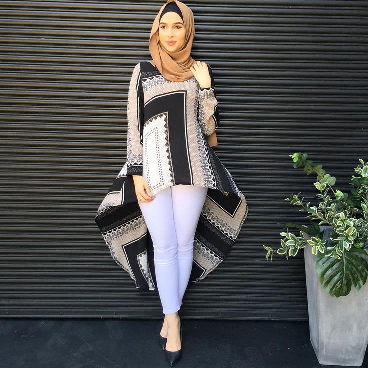 The Box Print Ruffle Top😍 Broadmeadows open till 9pm tonight ✨#modelleofficial #ootd #hootd #hijab #fashion #voguehijabs #coveredhair #l4l #f4f #casual #getthelook #outfit #modest #muslimah #style #styling #fashion #fashionblogger #fashionista #tbt #inspiration #spring #springfashion #cafe #islam #vsco #food #travelgram #friday #shop #shopping