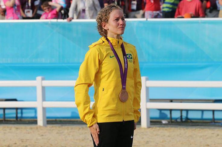 Ela veio de Afogados da Ingazeira, no Sertão de Pernambuco, para conquistar o panteão do esporte com o pentatlo moderno. Yane Marques, medalhista de bronze na modalidade, nos Jogos Olímpicos de Londres, em 2012, vai ser a porta-bandeira do Brasil na abertura Jogos do Rio.