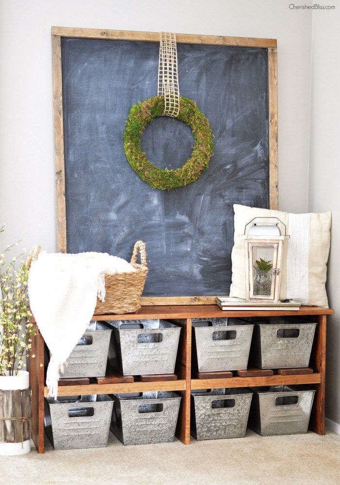 Rustic farmhouse entryway decor