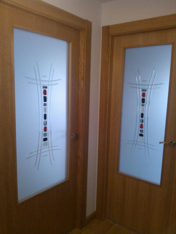 puerta fondo mate y resina con fusing pegado cristales