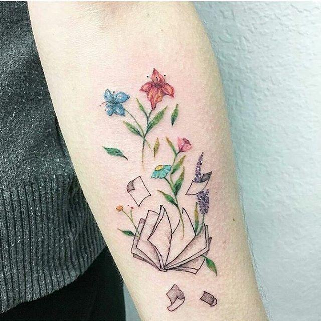 . Tattoo feita por @luiza.blackbird