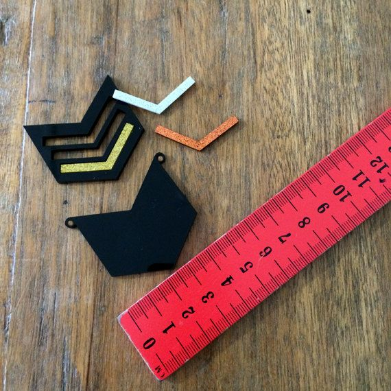 1 DIY Pendant Kit  Chevron Winter Glitters by CraftyCutsLaser, $8.00 #craftycutslaser #lasercut