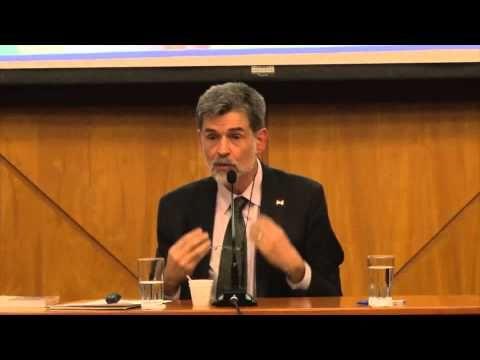 Conferencia de Carlos González sobre crianza con apego - YouTube