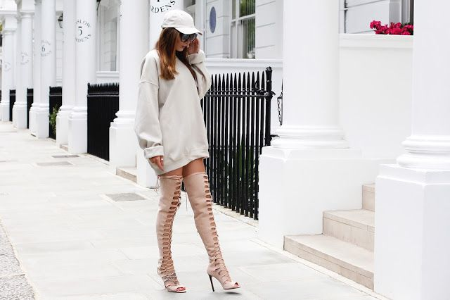 @toularose Can we get nude enough..? Slaying our Nude BF sweater AND nude cap.