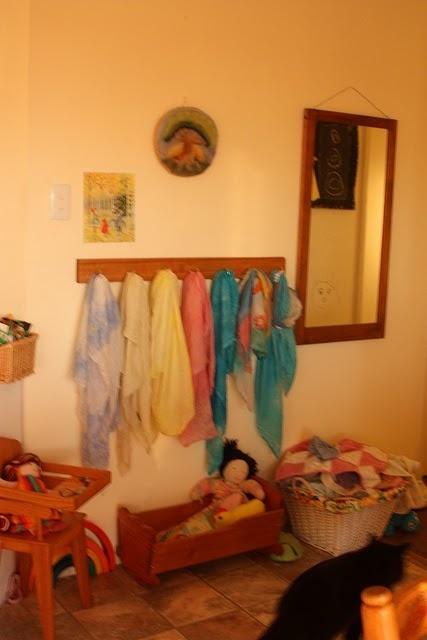 pegs and wool pictureRoom Photos, Play Rooms, Bedrooms Girls, Waldorf Playschool, Plays Room, Playschool Room, Waldorf Plays Schools, Plays Schools Room