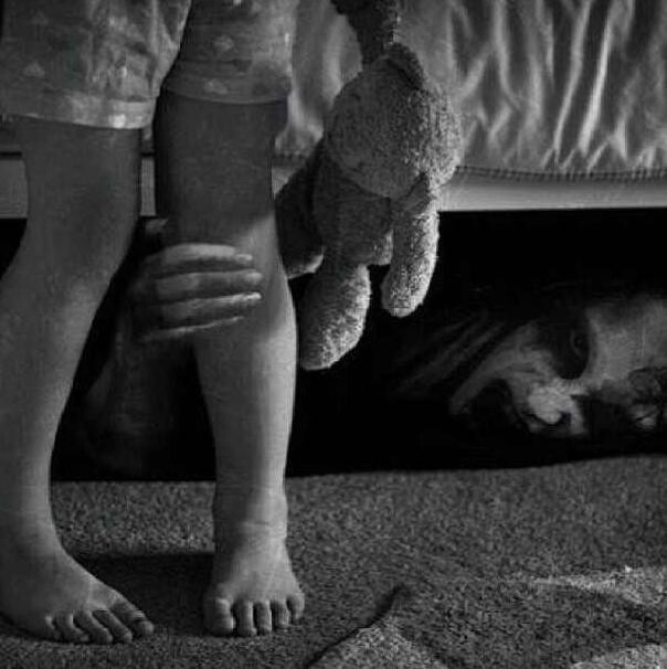 Always look under the bed    you don t have to look under the bed if you  are a hoarder and hide crap there      Creepy       Pinterest   Don t  judge. Always look under the bed    you don t have to look under the bed