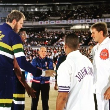To open the 1990-91 #NBA season, the #UtahJazz and #PhoenixSuns tipped off w/ two games in #Japan. Here, friend of the show, #MarkEaton (inallairness.com/49), is joined by #BigT, #ThurlBailey. They greet #KevinJohnson and #TomChambers at centre court.    Photo: @andrewdbernstein    #NBAhistory #VintageNBA #oldschoolNBA #retroNBA #JapanGames