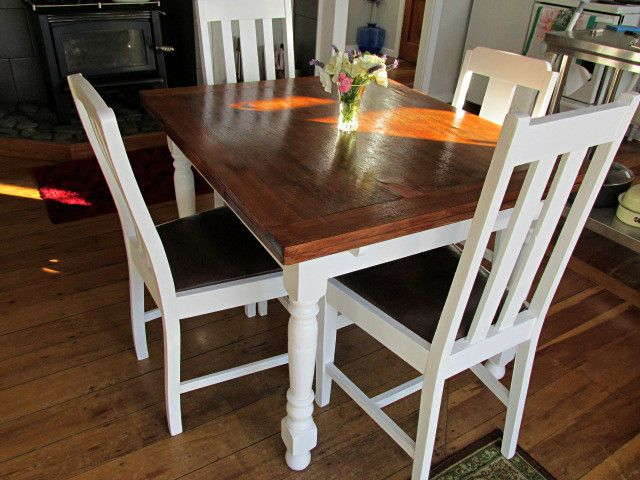 Old oak table and chairs restored to farmhouse chic.