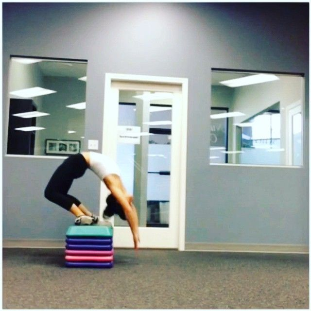 Chest roll leveled arch up 😊 #contortion #acrobatics #rhythmicgymnastics #circus #yoga #weheartflexibility #workout #training #stretch #flexibility #balance #fitnessmotivation #practice #workout #core #lift #fitgirl #fitness #strength #fitvancouver #weheartvideos #gym_videos #fitgirlvideos #fitnessgirlsvideo #fitness_videos #instafitvideoz #femalecalisthenics #calisthenics #thefitrebels #chestroll