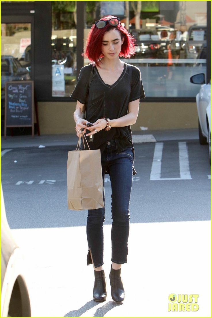 Lily Collins debutuje nový žiarivo červené vlasy 14