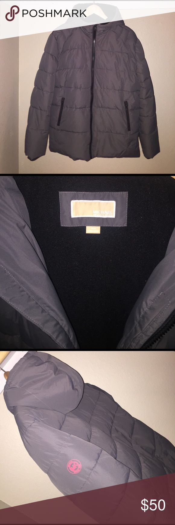 Michael Kors Boys/Guys puffer coat Michael Kors sz. 18/20 Boys/Guys puffer coat in grey. Fleece lining with down alternative fill and rayon and polyester shell. Very nice coat. Only worn once, zero damage. Grew out already! Tweens... smh. MICHAEL Michael Kors Jackets & Coats Puffers