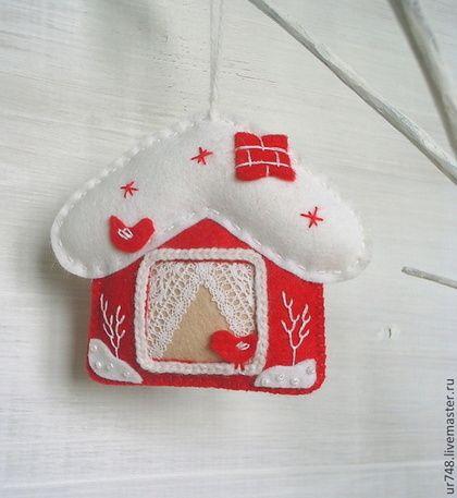 Felt Christmas House