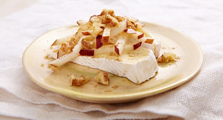 Instant spiced apples with Brie http://gustotv.com/recipes/snacks/instant-spiced-apples-with-brie/
