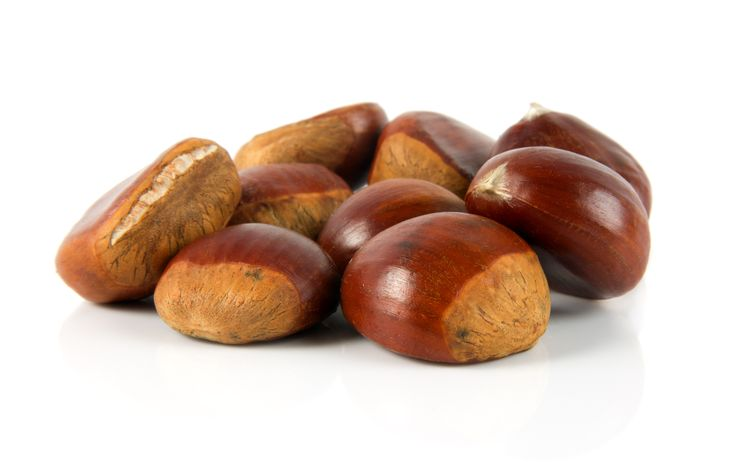 Special and unique for its properties, honey of chestnuts, has intense, peppery taste, is less sweet than other honeys and has a slightly bitter aftertaste.