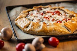Mushrooms, tomatoes and Bacon, oh Pie!
