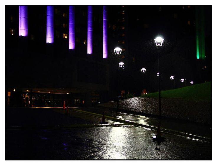 Cuando llueve: Recuerdo de una noche lluviosa en Buenos Aires, preciosa. Septiembre de 2015. #photography #streetphotography #color #rain #night http://tipsrazzi.com/ipost/1519021400038478843/?code=BUUpepLgpP7
