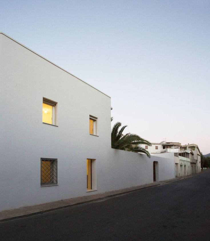 project: Villa Renovation CC author: Matteo Foresti Architect location: San Vito, Italy You can see all the reportage on our website www.atelierxyz.info #atelierXYZ
