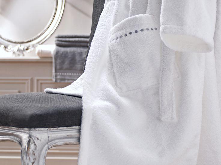 Linge de toilette  BAIN 100% coton. Blanc Peignoir www.blan-cerise.com