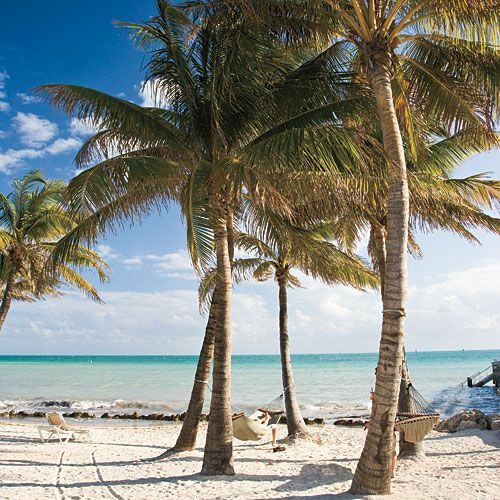 The Perfect Day in Key West | From brunch to beach to happy hour, follow our one-day itinerary of the best nine things to do in Key West.