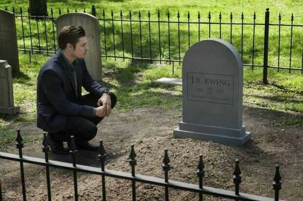 John ross visits jr 39 s grave john ross ewing iii pinterest larry hagman - Dallas tv show family tree ...