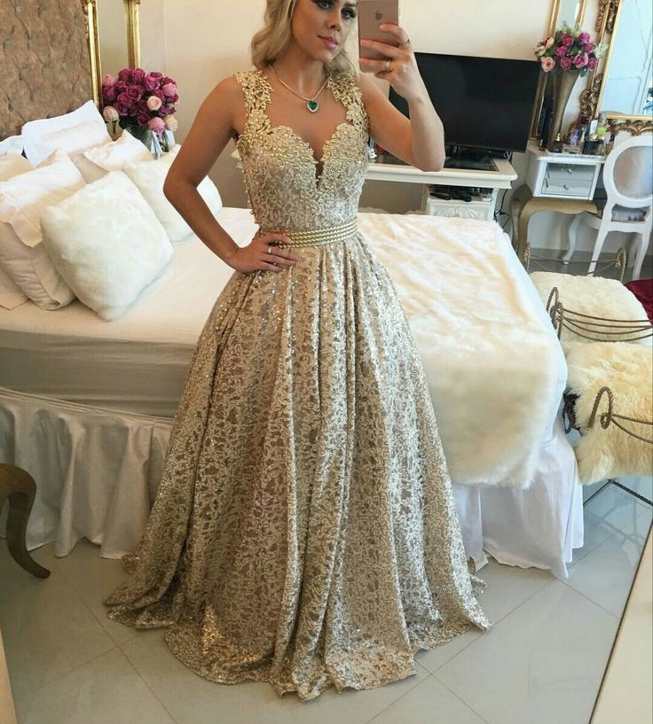 Vestido dourado longo