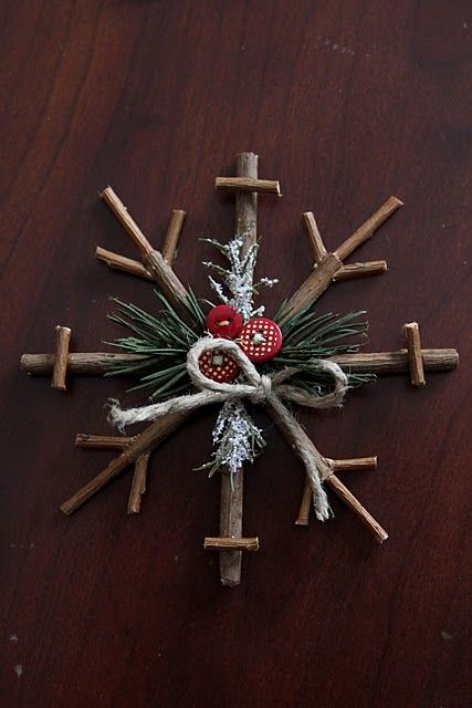 rustic snowflake tutorial: Idea, Christmas Crafts, Rustic Snowflakes, Snowflakes Ornaments, Holidays, Christmas Decor, Rustic Christmas, Christmas Ornaments, Diy Christmas