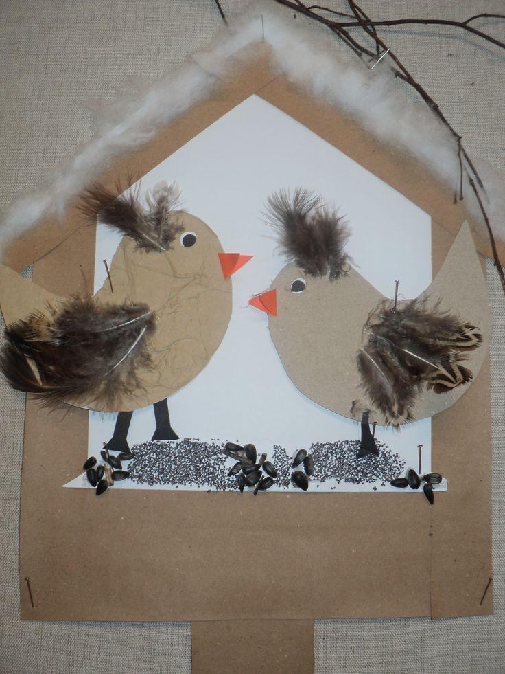Krmítko a ptáčci (recy papíry, peříčka)