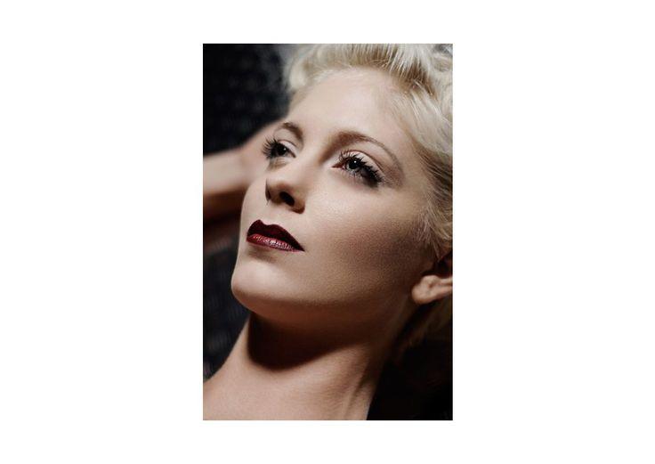 Fotoshooting mit Fotograf Claas Michalik und Model Jenna Ledy in Aachen, Haare und Make-up von Ilka Küting