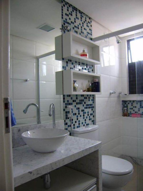Banheiros com Nichos: MDF, Porcelanato e Embutidos – Decoração de Casa
