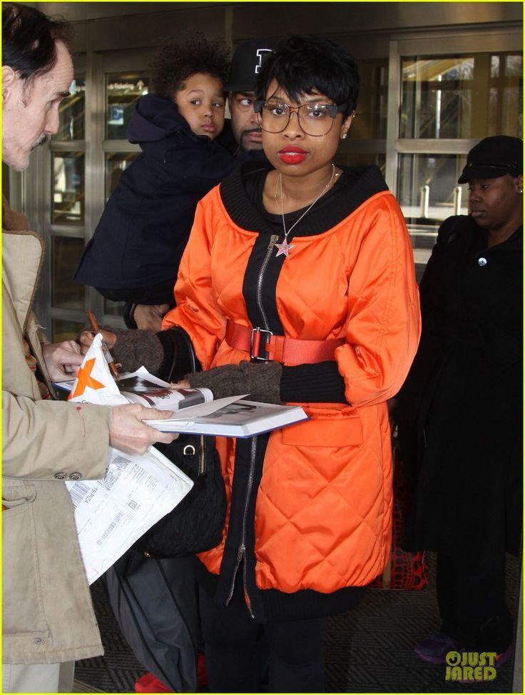 Jennifer Hudson and David Otunga arrive at DCA with their son David on January 18, 2014