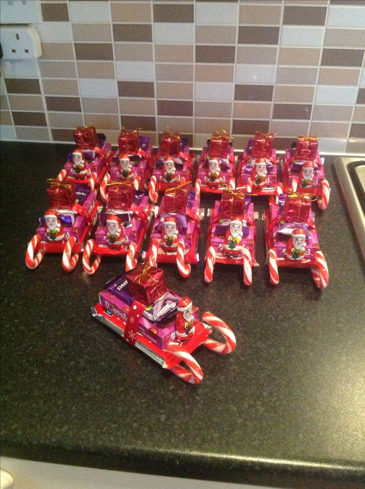 Santa sleighs for kids Christmas party. Made with candy ...