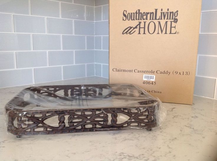 NEW in BOX!! Southern Living At Home -Clairmont Casserole Caddy- 9x13…