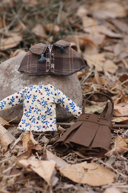 Ran's Blythe Doll Dress -- The cloak suite -- blytheiris@etsy