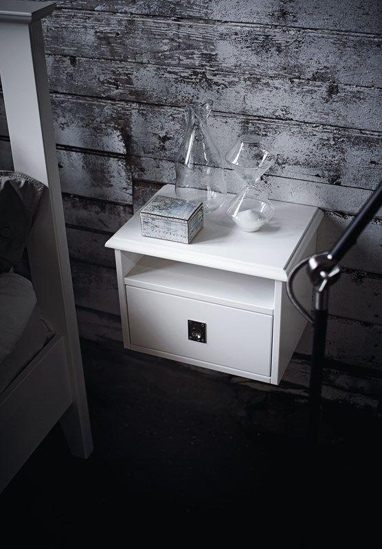 Sängbord från Mavis. EM Möbler - Smögen.