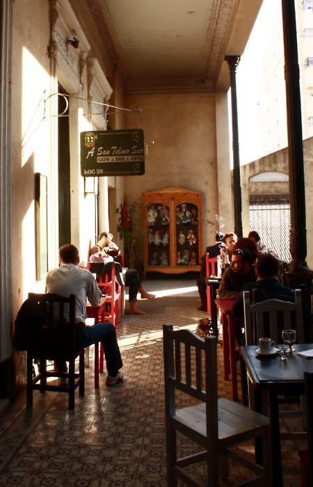 Cafe & Bar & Arte. Buenos Aires, Argentina