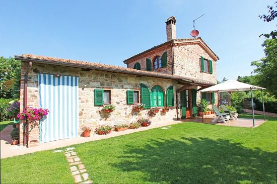 Late 1800's period prestigious farmhouse called 'Terra Rossa' for sale in Tuscany, fully restored with original materials. #dreamhome #properties #realestate #luxury #tuscany #forsale #tuscanproperty #tuscanproperties